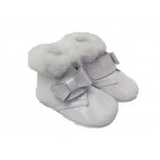 Andanines Girls Crib Boot - White