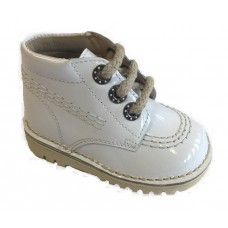 ~Andanines Baby Boys Boot - White